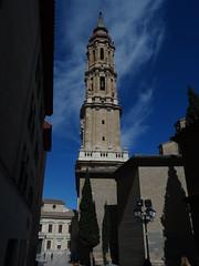Catedral del Salvador de Zaragoza (Kvnivek) Tags: church kerk cathedral tower blue sky spain españa zaragoza aragon