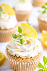 (ChicqueeCat) Tags: cupcakes cakes lemon raspberries nikon d3300 foodphotography artificiallighting
