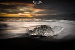 Plage de Jokulsarlon (Hervé D.) Tags: iceland islande jokulsarlon iceberg diamonds plage diamants glaçon beach