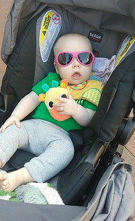 Harriet, 2018-04-13 looking cool in shades