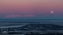 Full moon over Alaskan Range (fentonphotography) Tags: flattop moon fullmoon alpenglow sunrise moonset landscape pinksky alaska horizon water
