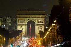 Arc de triomphe (Guibs photos) Tags: eos7d canonef100400mmf4556lisiiusm manfrotto mt055xpro3 canon trépied tripod paris iledefrance france arcdetriomphe champselysées avenue monument nuit night nocturne
