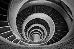 (Sunrider007) Tags: sony a7r3 a7riii 2470 handheld stairs staircase pagoda singapore chinese chinesegarden jurong monochrome bw blackandwhite blackwhite abstract geometry mathematics mathematical lighting spiral circles circle urves architecture building urban city