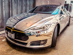 Either In A Tow Zone Or A Decadence Zone.jpg (Milosh Kosanovich) Tags: alley chicagophotoart precisiondigitalphotography miloshkosanovich chicagophotographicart lightroommobile mickchgo iphonex chicagophotographicartscom chicago chrometesla