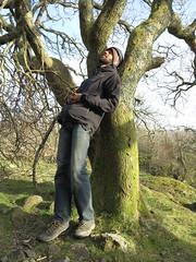 comfortable viewing possition (squeezemonkey) Tags: northwales snowdonia winter castlestafftrip tremadog portrait tree climber crag craigpantifan uppertier