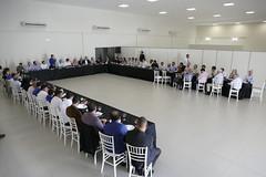 """Reunião - Aparecida de Goiânia • <a style=""""font-size:0.8em;"""" href=""""http://www.flickr.com/photos/100019041@N05/40194915884/"""" target=""""_blank"""">View on Flickr</a>"""