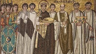 Mosaico (546/556 d.C) raffigurante il corteo dell'Imperatore Giustiniano I il grande - Basilica di San Vitale - Ravenna
