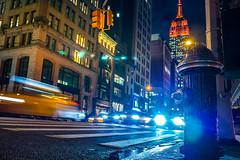 Empire State Building en habit rouge (Régis Corbet) Tags: 011400 america amérique empirestatebuilding iptcscenes manhattan ny newyork scènedenuit us usa unitedstates unitedstatesofamerica nightscene étatsunis étatsunisdamérique