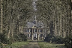 """Huis 't Medler"" te Vorden (Fred / Canon 70D) Tags: huistmedler vorden thenetherlands countryestate monument historicarchitecture sigma18300mmf3563dcmacrooshsmc sigma canon70d canoneos canon hdrefexpro2 achterhoek gelderland"