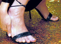 (pbass156) Tags: toes feet foot footfetish fetish barefoot sandals sexy shoes strappy sandalias toelicking