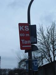 KS 60m Tan (mkorsakov) Tags: dortmund city südstadt schild sign half halb wtf