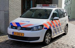 Dutch Police Volkswagen Touran Marine Section (PFB-999) Tags: politie dutch police volkswagen touran mpv marine water riverside section response patrol car vehicle unit lightbar grilles leds 31snz8 amsterdam netherlands holland