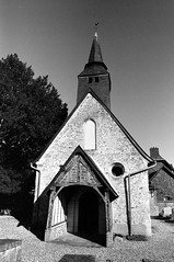 Eglise N.D. de la Haye-de-Routot (Philippe_28) Tags: lahayederoutot church église 27 eure normandie normandy france europe 24x36 argentique analogue camera photography film 135 bw nb