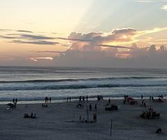 só amanhã ele vem (luyunes) Tags: arraialdocabo beleza pordosol sunset sun beauty luz mar praia beach sea seascape mobilephoto mobilephotographie motozplay luciayunes