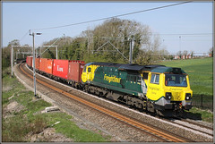 70006, Long Buckby (Jason 87030) Tags: fugly ugly class70 wcml northamptonloop liner freight freightliner green yellow canon eos pole lineside ts location light containers boxes 4l75 2015 april fence pse photoshop gap tren frecht diesel engine loco northants northamptonshire view vantagepoint felixstowe traffordpark diagram working
