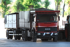 IVECO 190 (marvin 345) Tags: iveco190 iveco ivecotruck lombardia italy italia italiantruck truck trucks truckvintage camion camionautocarriitaliani camionitaliani oldtimer oldtruck marvin345