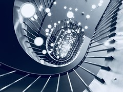 Metallic spiral staircase (WezMount) Tags: fotocompetition fotocompetitionbronze stairs escalier stairway spiral architecture