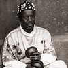 Musician (Tom Levold (www.levold.de/photosphere)) Tags: marokko morocco zagora fuji xt2 xf18135mm people portrait porträt musiker musician street bw sw