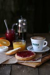 Desayuno (carmenmedinalopez) Tags: desayuno breakfast coffe cafézumo tostada mollete mermelada