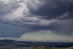 Cielo sulle Langhe, Piemonte (alexgiordano965) Tags: cielo sky nuvoloso temporale montagne mountain langa monferrato piemonte piedmont monviso barolo dogliani alba nuvole storm italia italy reflex canon