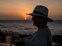 """ Bel-Prazer "" (JJSantosphoto) Tags: sanandres colombia jjsantosphoto jjsantos perfil pordosol finaldetarde fuljifilmxt2 fuljifilm xt2 mar oceano agua drink mulher senhora sra chapeupanama chapeu"
