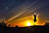 C´est la vie en vacances! (KRAMEN) Tags: jump salto atardecer sunset puestadesol silueta