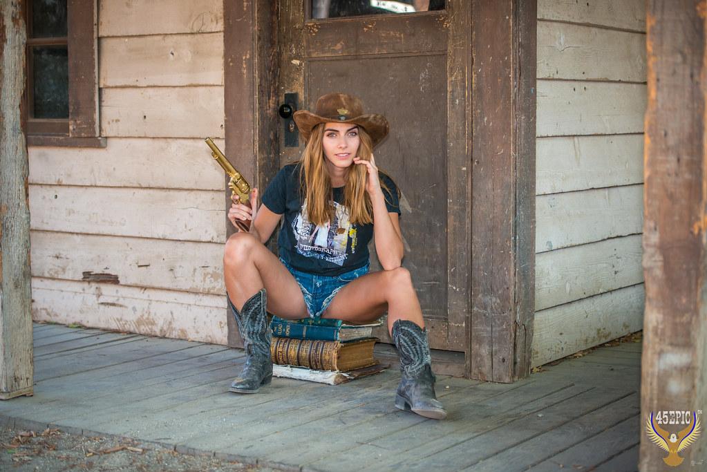 Sexy Girl Cowboy