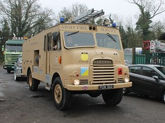 PGW 362 - Army Fire Service (quicksilver coaches) Tags: bedford rl greengoddess fireappliance fireengine armyfireservice rafkhormaksar jackshillcafe towcester pgw362