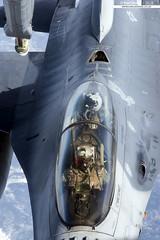 91-0477/WW - General Dynamics F-16D Fighting Falcon - 13th FS, 35th FW, PACAF, USAF (KarlADrage) Tags: 910477 ww generaldynamicsf16d f16d fightingfalcon viper 13thfs 35thfw pacaf usaf redflagalaska082 rfa082 a2a air2air airtoair tanker
