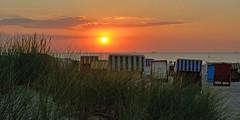 sunset at baltic sea (Carsten Weigel) Tags: sunset sonnenuntergang sonne himmel wolken clouds carstenweigel warnemünde rostock mecklenburgvorpommern strand beach düne dune horizont horizon balticsea ostsee nikond5200 nikkor1685mmf3556