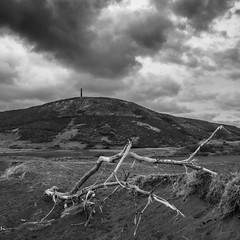 Pendinas From Tanybwlch (evans.photo) Tags: aberystwyth ceredigion clouds tanybwlch hill monument square blackandwhite bleak mono landscape fuji