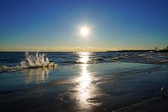 Bright morning sun over the Lake Michigan, Chicago, Illinois (Andrey Sulitskiy) Tags: usa chicago illinois lakemichigan