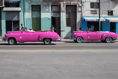 Pink Streets, La Habana (Geraint Rowland Photography) Tags: cubancars cars classiccars carphotography travelphotographyinhavana cuba lahabana pinkcars classicretrocars colourfulstreetphotography wwwgeraintrowlandcouk geraintrowlandphotography visitcuba canon