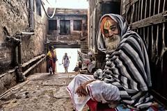 Street Mathura (daniele romagnoli - Tanks for 23 million views) Tags: india vecchio oldmana nikon d810 mathura romagnolidaniele urbano urban ritratto portrait città people bestportraitsaoi