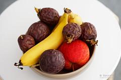 20180330-01-Still life with fruit (Roger T Wong) Tags: 2018 australia canon100f28macro canonef100mmf28macrousm hobart iv metabones rogertwong smartadapter sonya7ii sonyalpha7ii sonyilce7m2 tasmania apple banana fruit passionfruit stilllife