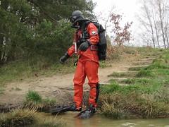 Red frogman (CZDiver) Tags: scubagear scubadiving divinggear scubadiver scuba scubatank doublehosescubaregulator drysuitdiving drysuit northerndiverdrysuit thordrysuit