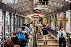 Up and down - Hongkong 129/188 (*Capture the Moment*) Tags: 2017 escalator fotowalk hongkong menschen people rolltreppen sonya7m2 sonya7mii sonya7mark2 sonya7ii sonyfe2470mmf4zaoss sonyilce7m2