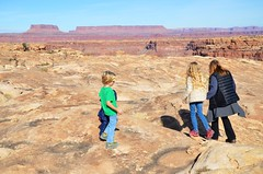 Sue & The Kids On The Slickrock Trail (Joe Shlabotnik) Tags: proudparents nationalpark utah hiking sue 2017 violet canyonlands everett november2017 canyonlandsnationalpark afsdxvrzoomnikkor18105mmf3556ged