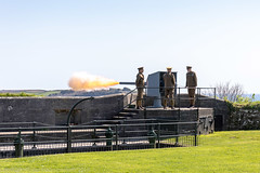 BANG! (doublejeopardy) Tags: firing 1902 quickfiring defence coastal enactment gun englishheritage pendenniscastle