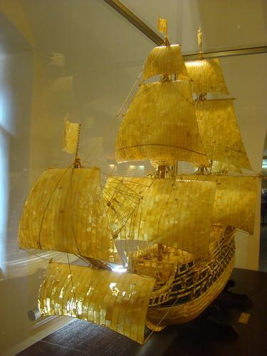 Корабль Васа из янтаря