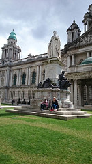 Hôtel de Ville (archipicture71) Tags: mayor alfred brumwell thomas floor rotunda entrance sculpture hotel ville mairie maire belfast irlande nord northern ireland city donegal square jardins statue garden memorial titanic echec chess reliquaire drapeau flag british escalier staircase hall grand vitraux coupole dôme façade lanternon victoria council chamber