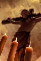 Tres velas (Paco Fuentes Vicario) Tags: holyweek holyweekzamora zamora espiritusanto cristo españa velas fire fuego candle desenfoque contrapicado canon