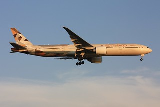 777-300ER  A6-ETD