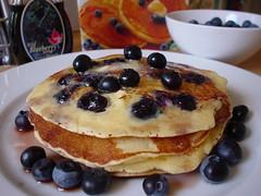 Making Canadian blueberry pancakes #8 (AnnabelB) Tags: wild pancakes blueberry syrup pancake bleuets sauvages sortof sirop easylikeasundaymorning