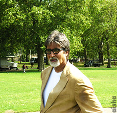 "Can I Mister ""Big B"" (Aisha B B) Tags: uk portrait london star nikon indian coolpix bollywood hydepark 8800 amitabhbachan gatmooosha indianactor cheenikum"