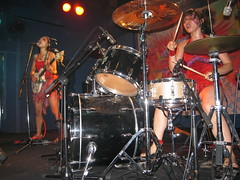 Afrirampo (jasonkrw) Tags: girls red music rock japan drums japanese guitar livemusic japanesegirls okayama rockergirls afrirampo  japaneseundergroundmusic pepperland