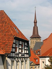 Altstadt (turbosatellit) Tags: roof red rot kirche tor altstadt osnabrck fachwerk heger fachwerkhaus niedersachsen kirchturm hegertor dchr