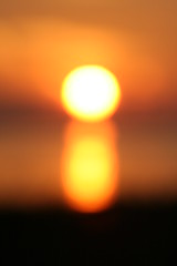blurred sun (Tabbie-cats) Tags: ocean light sunset vacation orange sun black blur hot color beach water beautiful yellow night wow evening amazing cool pretty florida unusual elegant sanibelisland mywinners impressedbeauty