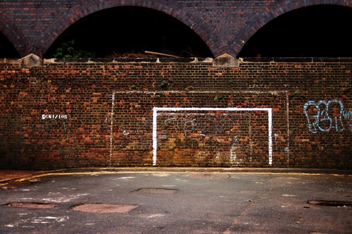 street football d70 soccer 1870mmf3545g goalposts nikonstunninggallery jumpersforgoalposts ohgodrobinvanpersiehasamyspaceblog