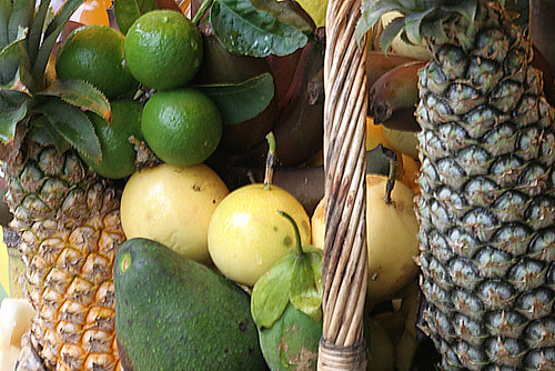 fruits tropicaux guadeloupe ananas fruits guadeloupe by Rh.P.